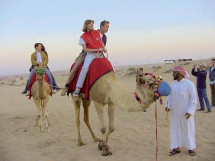 Emiráty křížem krážem