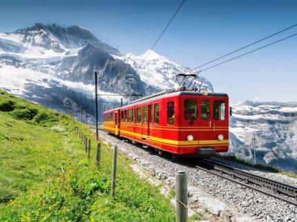 �v�carsko a Glacier express, vl��ky, zuba�ky a nejpomalej�� rychl�k sv�ta