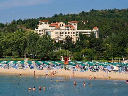 Belleville - Djuni Royal Resort