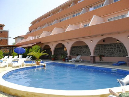 Lozenec Resort